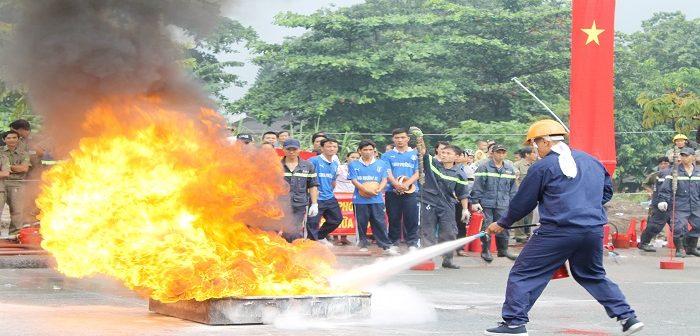 """Để """"qua mặt"""" cảnh sát phòng cháy chữa cháy"""